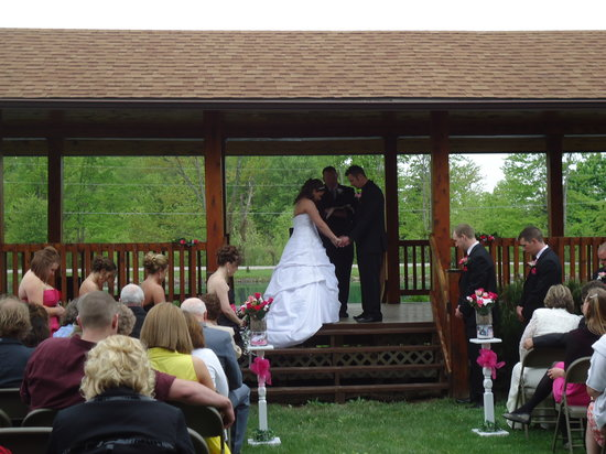 Hope Cabins and Banquet, LLC: Weddings!