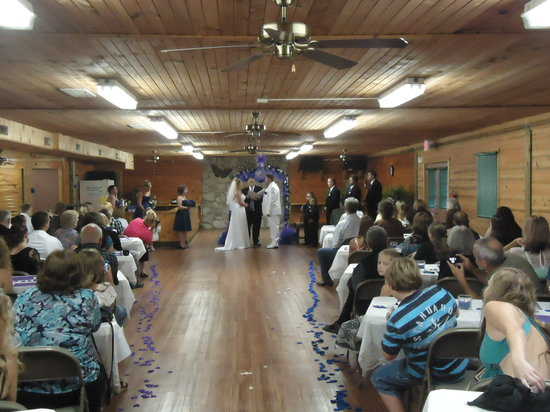 Hope Cabins and Banquet, LLC: Weddings