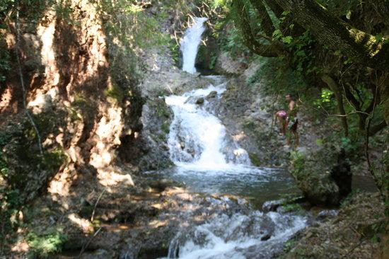 Casavacanze Podere Cascatelle & Agriletizia: le cascatelle