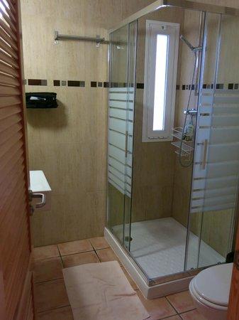 Hotel Mayari: Nice Shower