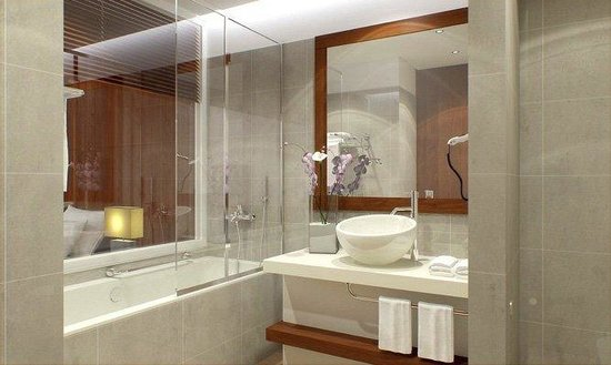 Four Points by Sheraton Tripoli : Twin Bathroom