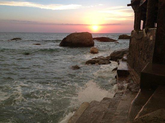 Hotel  Cava dell'isola: dalla spiaggia il sole che tramonta
