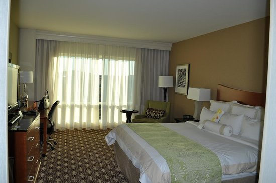The Woodlands Waterway Marriott Hotel & Convention Center : The Waterway Marriott, a room