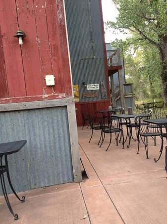 The Ditch Cafe: can hear the water from irrigation ditch when u sit outside