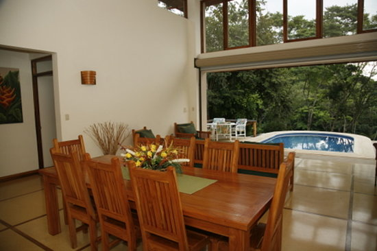 B&B Tranquilo : Great Room and Dinning Room