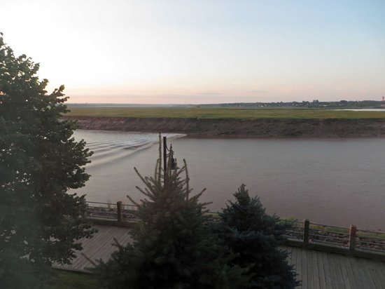 Chateau Moncton, river view with tidal bore