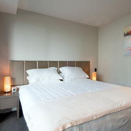 Waldorf Celestion Apartment Hotel: Bedroom