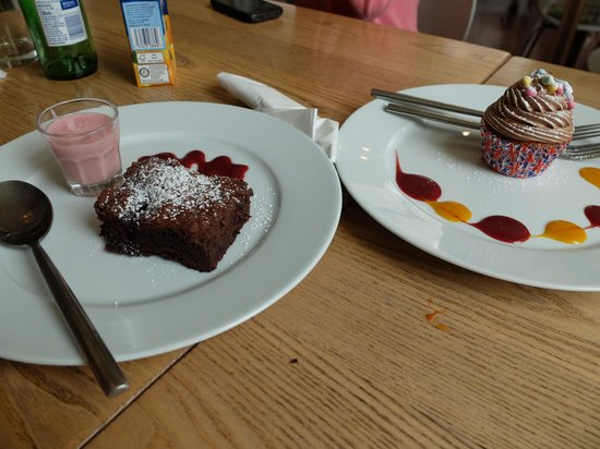 Water of Leith Cafe Bistro: Beautiful Cakes