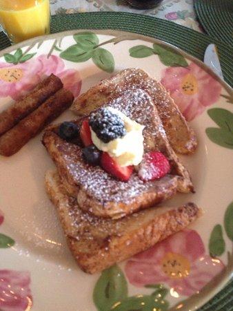 Ship Watch Inn: Breakfast!
