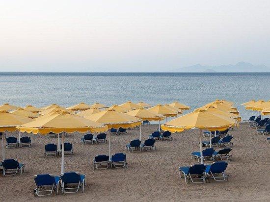 Mitsis Norida Beach Hotel: Beach