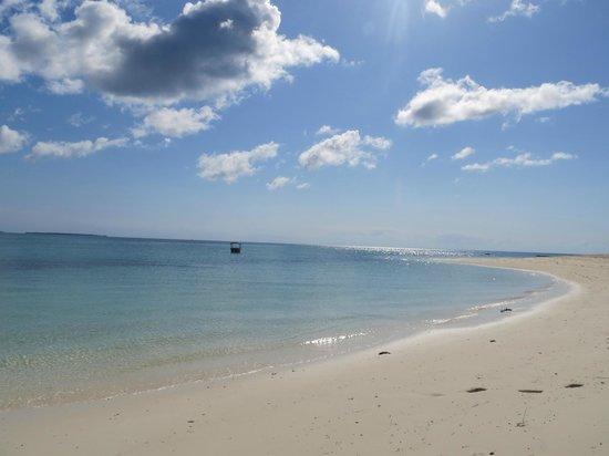 Hideaway of Nungwi Resort & Spa: more beautiful beach