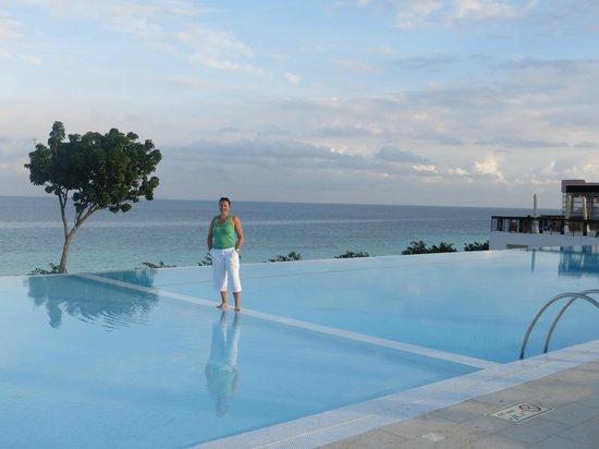 Hideaway of Nungwi Resort & Spa: Infinity pool