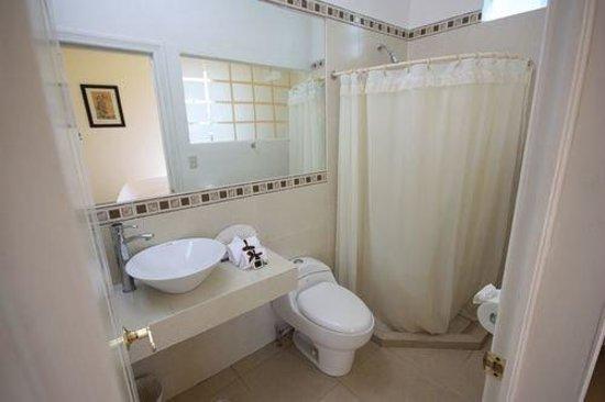 Mansion Arechiga: Bathroom