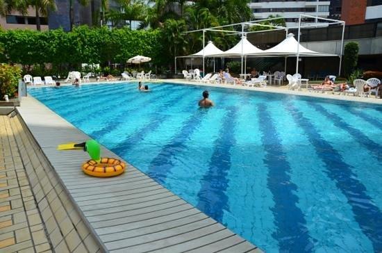 Fiesta Bahia Hotel : Piscina