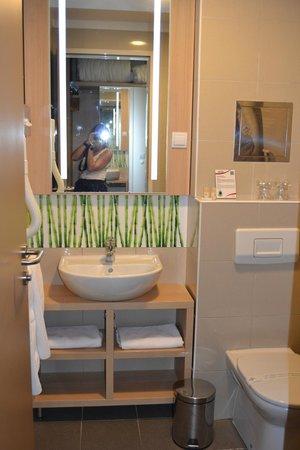 Hotel Rebro: La salle de bains