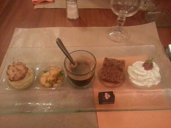 Lou Bombareau: un café gourmand... miammmm
