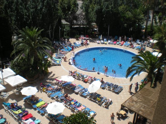 H10 Vintage Salou : Pool area from our balcony