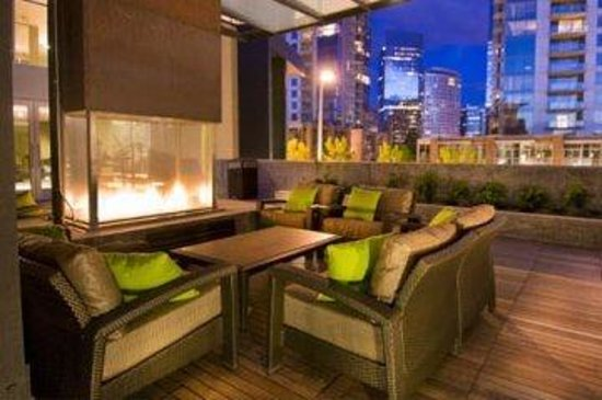 Royal Suites at Belcarra : Bellevue Courtyard Patio