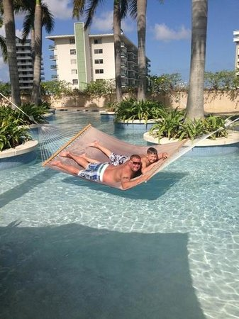 Four Seasons Hotel Miami : me and Harry relaxing.