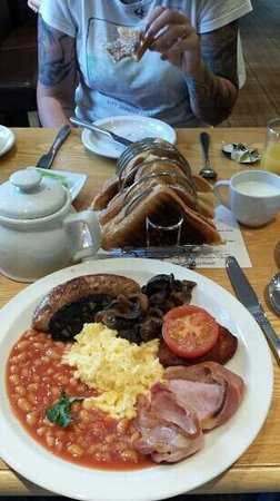 Golden Lion: forgot to say the breakfast is just fantastic