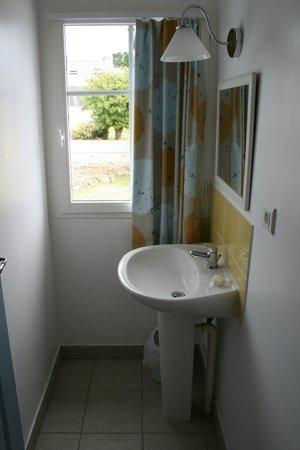 Pierre & Vacances Résidence Marie Galante : salle toilette RDC