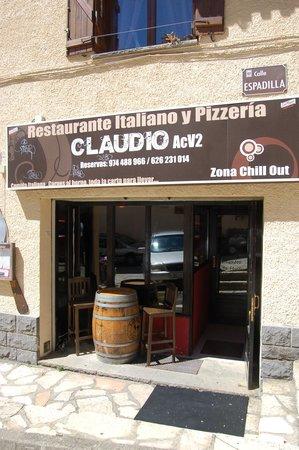 Restaurante italiano y Pizzeria Claudio Acv2: Restaurante Italiano y Pizzería, también para llevar comida a casa y tomarse un gran Gin Tonic.