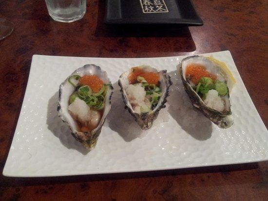 zipangu: Oysters with daikon radish and salmon roe