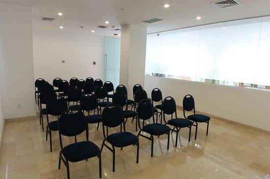 One Culiacan Forum: Meeting Room