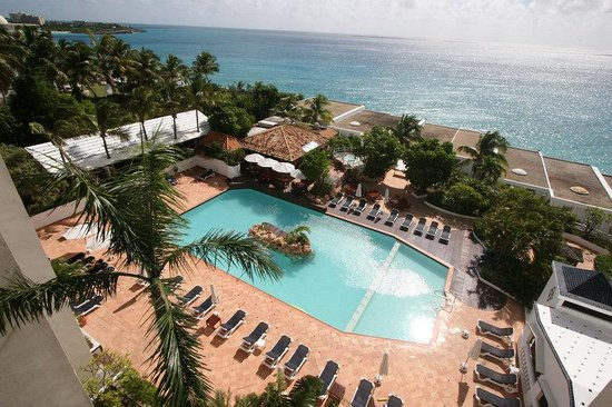 Sapphire Beach Club Resort: Enjoy in the Resort's Pool