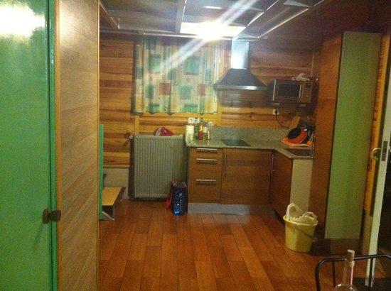 Camping Bungalow Park Arco Iris: Planta baja cocina