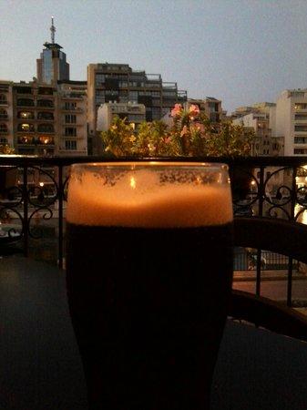 The Dubliner: Guinness con vista sulla baia
