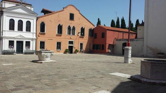 Ca' del Borgo: Front of the Hotel (Ca Alberti)