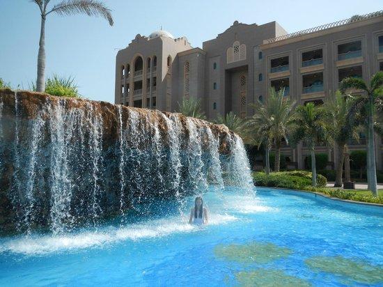 Emirates Palace: Piscina