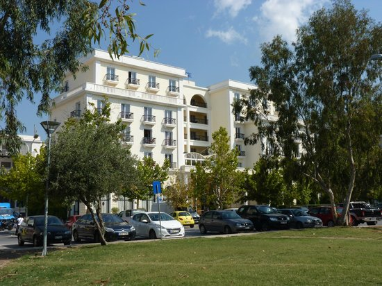 Volos Palace Hotel : View of the front of the hotel