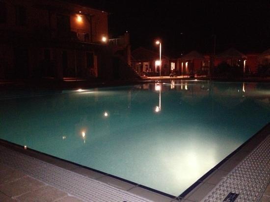 Residence Ombraverde: piscina...