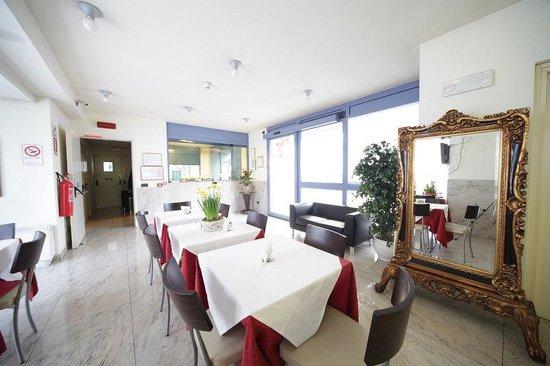 Motel Autosole 2 S.R.L: Salone Bar Con Reception