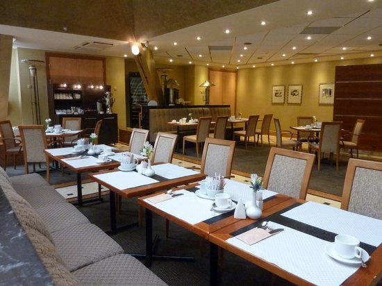 Radisson Blu Ridzene Hotel: Restaurante montado para café da mnhã