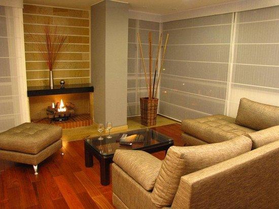 Prisma Suites Chico: Guest Room