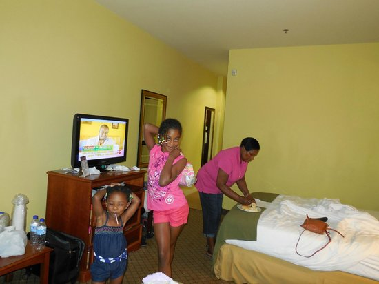 Holiday Inn Express Trincity Trinidad Airport: In our room getting ready for a day out.