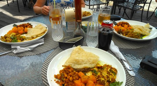Island Plates: Curry lunch!