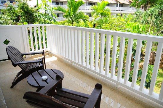 Aonang Villa Resort : ベランダ