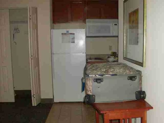 Staybridge Suites New Orleans: Great kitchen area!!!