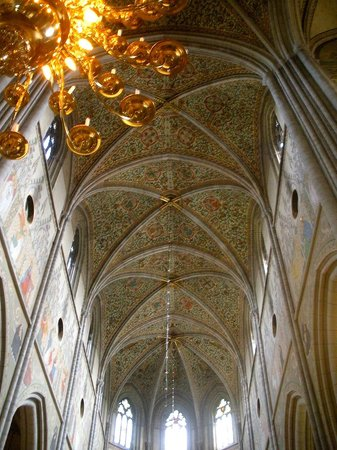 Uppsala Cathedral: The beautiful cathedral ceiling