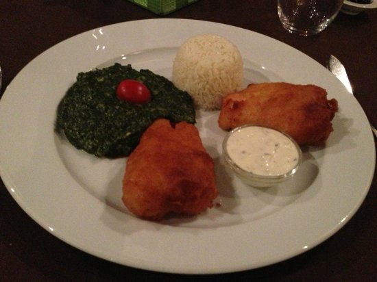 Manjar dos Deuses: Fried Parrotfish with spinach