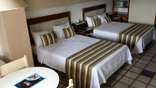 Fiesta Bahia Hotel : Double beds