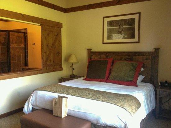 Lodge at Whitefish Lake : Nice comfy bed-room 277 in Viking Lodge