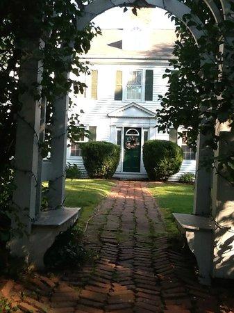 Historic Jacob Hill Inn : So Grand