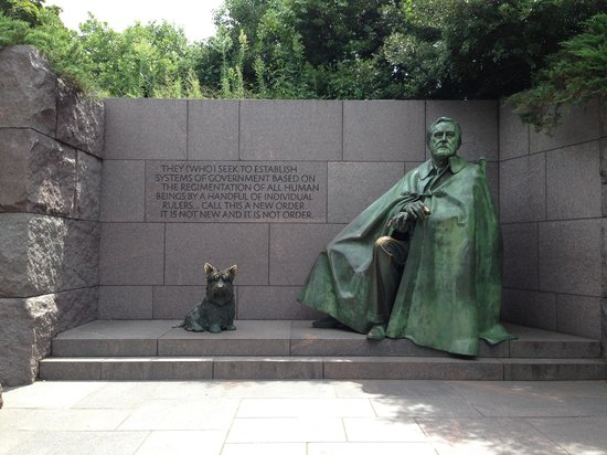 Signature Tours of DC- Day/Night : FDR Memorial - A Hidden Gem!