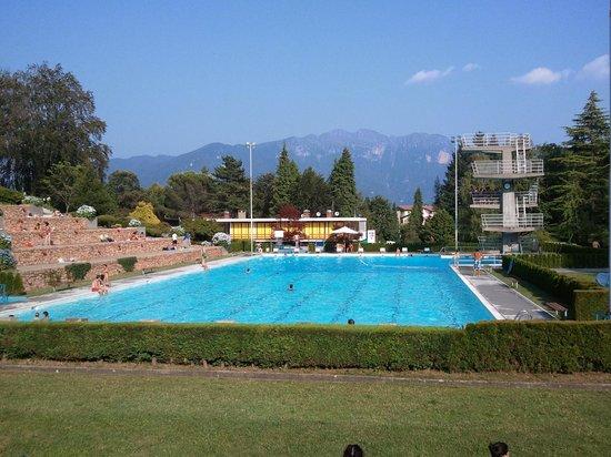 Carona, Suíça: La piscina olimpionica