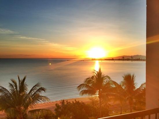 Aquarius on the Beach: beautiful sunrise